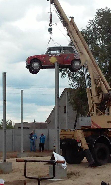 Uczestnicy Rajdu Zabytkowych Samochodów korzystali znaszych usług.